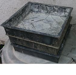 Forma Dlažba čtverec 250 vroubky bazar 3ks