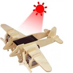 RoboTime P330 vojenské letadlo Bombardér na solárn