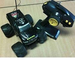 RC auto 4x4 LEO X 4WD + dálkové ovládání, použité