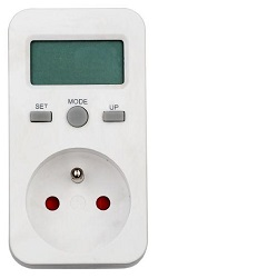 Měřič spotřeby s pamětí PM5 do zásuvky 230V od 1W